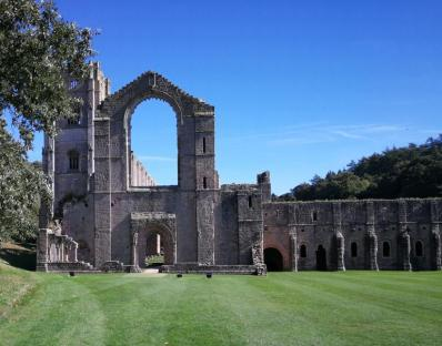 Fountains Abbey 02